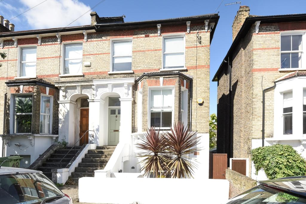 3 Bedrooms Maisonette Flat for sale in Derwent Grove East Dulwich SE22