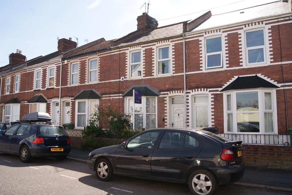 2 Bedrooms Terraced House for sale in School Road, Exeter EX2