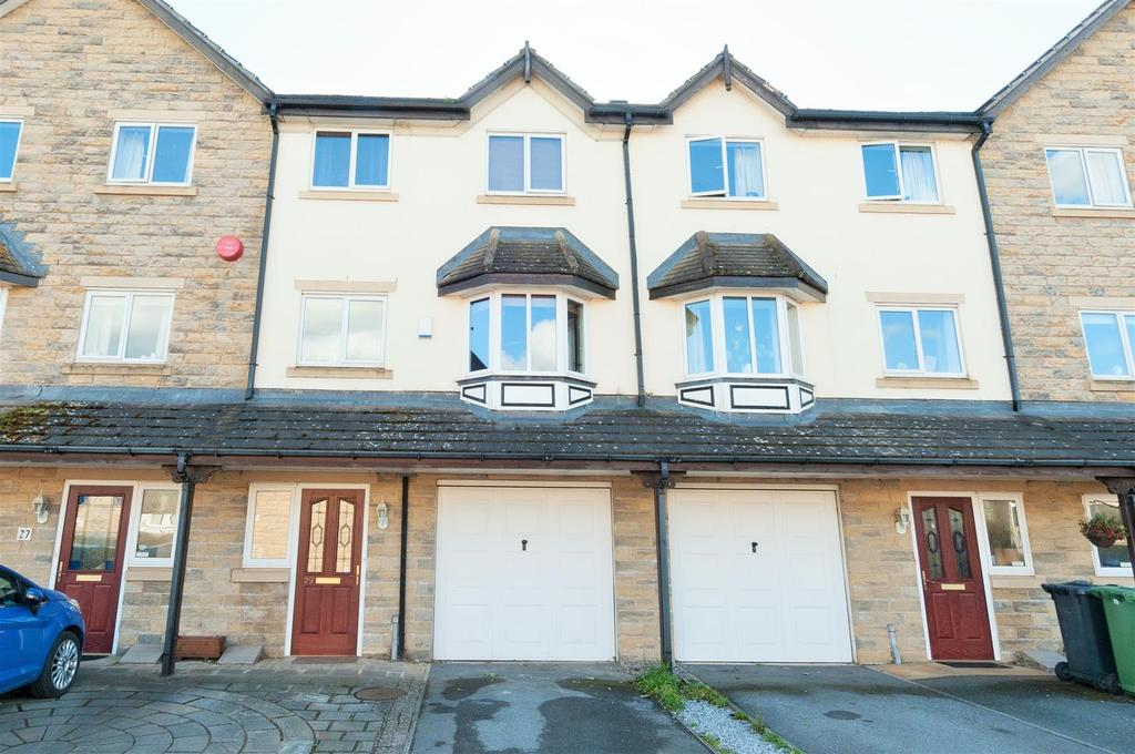 4 Bedrooms Town House for sale in Bromley Bank, Denby Dale, Huddersfield