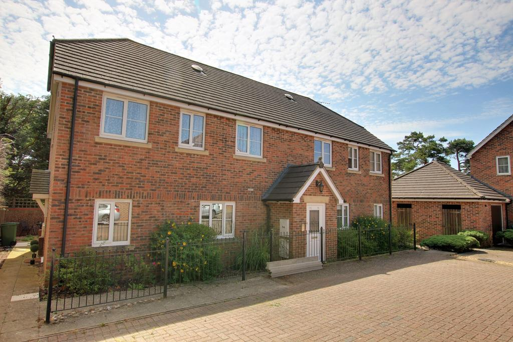 2 Bedrooms Ground Flat for sale in CLANFIELD