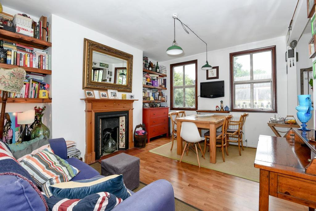 1 Bedroom Flat for sale in Crescent Road, Crouch End