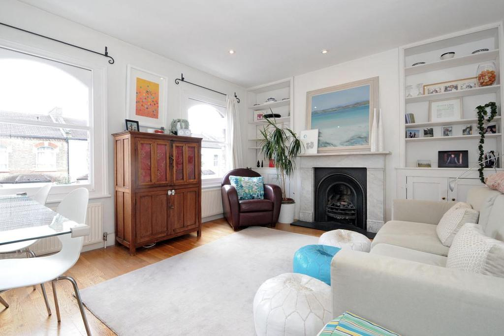 2 Bedrooms Flat for sale in Prothero Road, Fulham, SW6