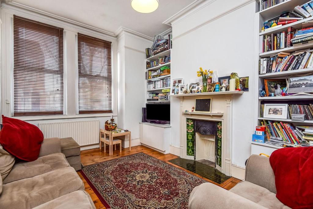 2 Bedrooms Maisonette Flat for sale in Byton Road, Tooting, SW17