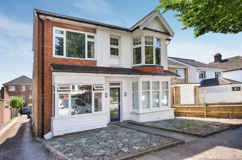 1 Bedroom Flat for sale in Portland Villas Hove East Sussex BN3