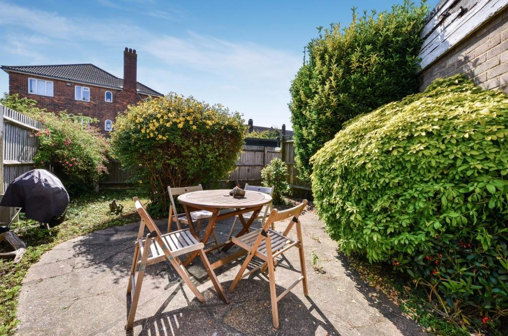 1 Bedroom Flat for sale in Portland Villas Hove East Sussex BN3