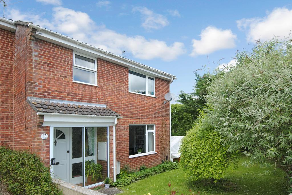 3 Bedrooms End Of Terrace House for sale in Glebe Road, Durrington, Salisbury SP4