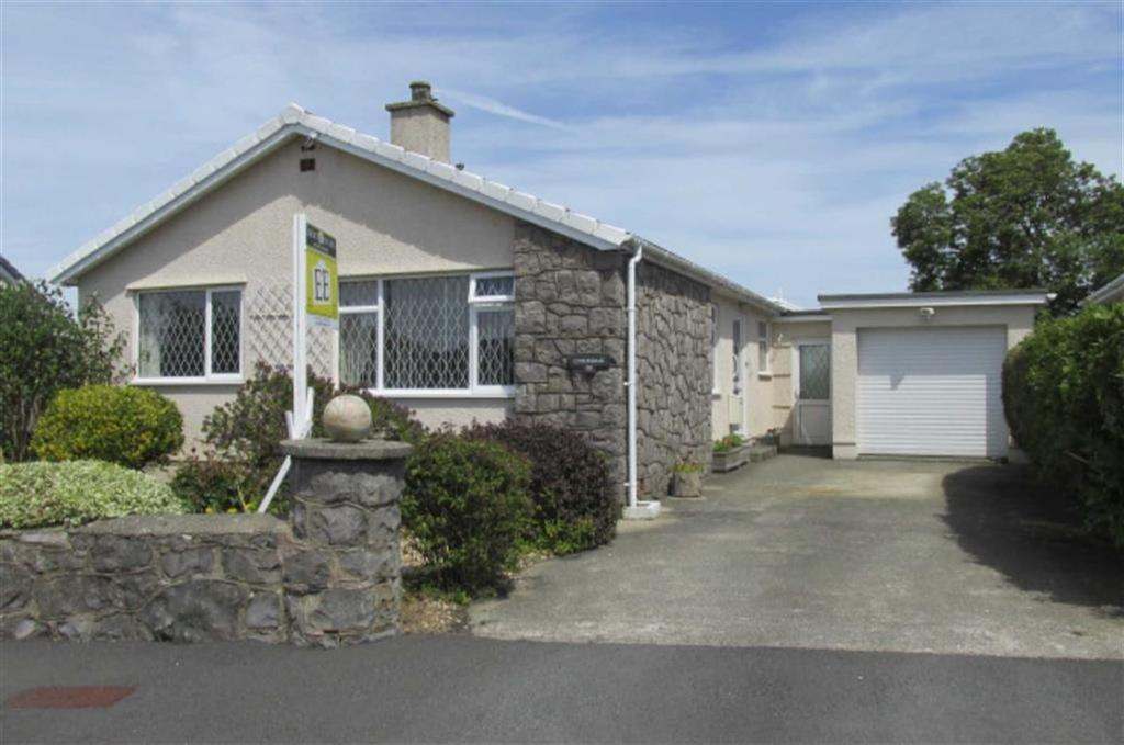 2 Bedrooms Detached Bungalow for sale in Minffordd, Benllech, Anglesey