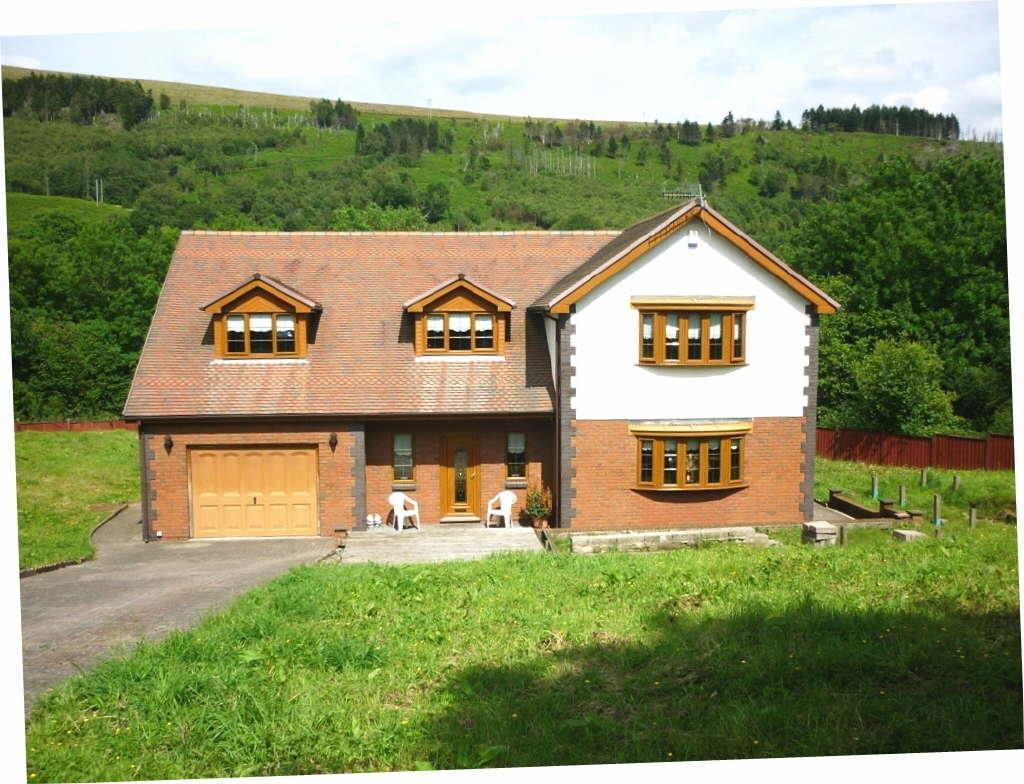 4 Bedrooms Detached House for sale in Ynysboeth, Abercynon
