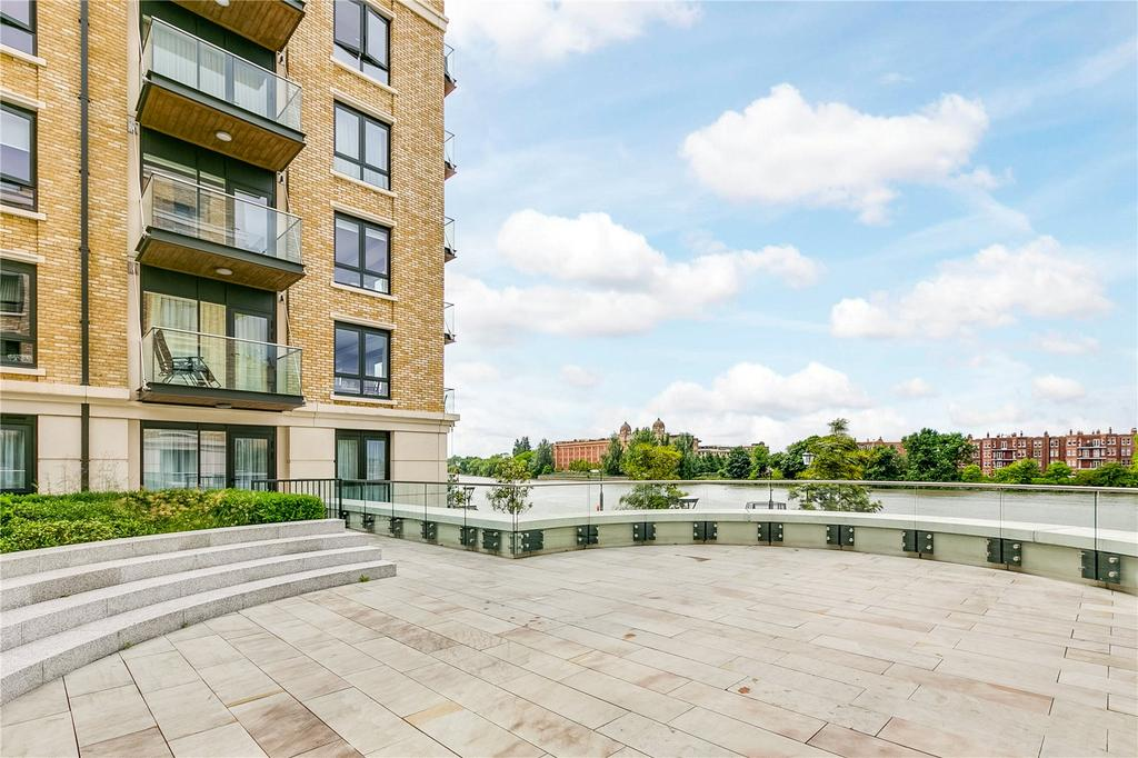 2 Bedrooms Flat for sale in Distillery Wharf, Fulham Reach, London