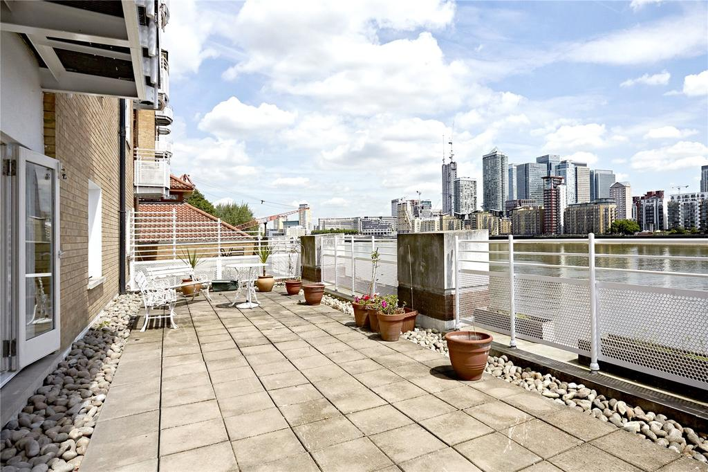2 Bedrooms Flat for sale in New Caledonian Wharf, 6 Odessa Street, London