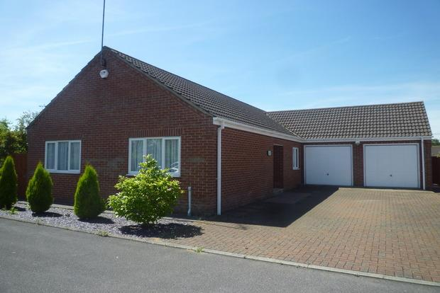 3 Bedrooms Detached Bungalow for sale in Thurloe Close, Wisbech, PE13