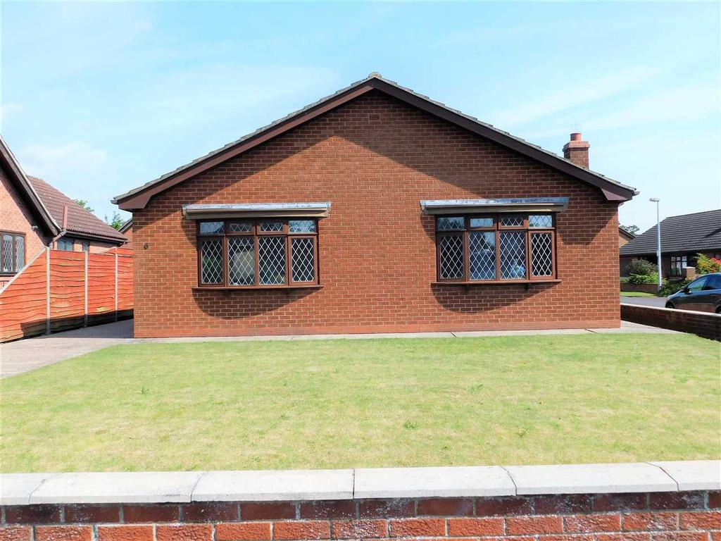 3 Bedrooms Bungalow for sale in WOODS MEADOW, HIBALDSTOW, BRIGG