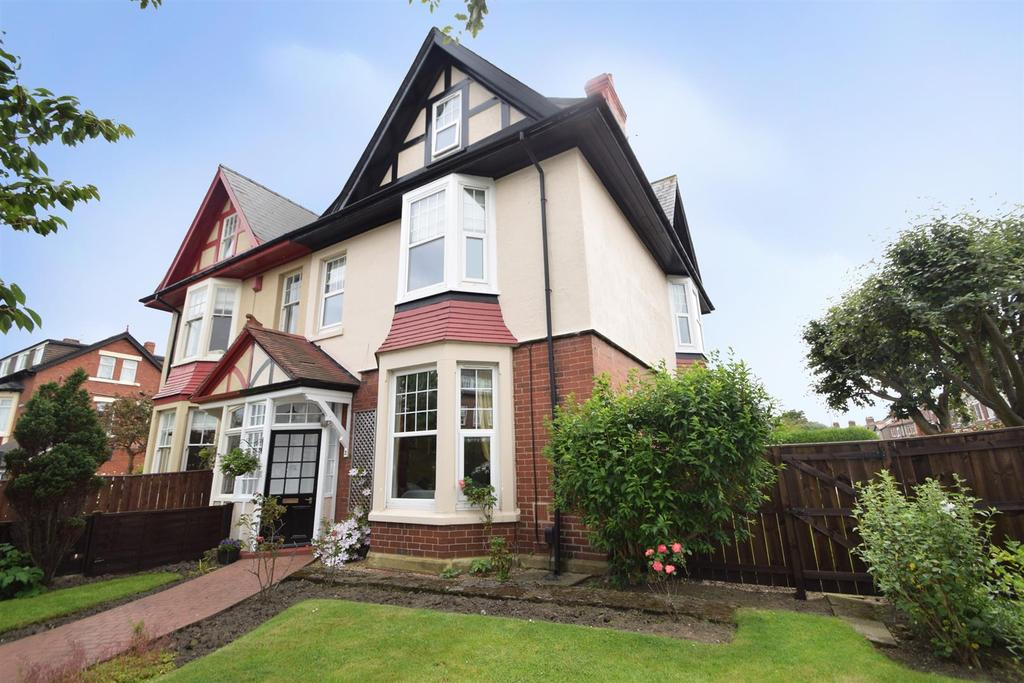 5 Bedrooms Semi Detached House for sale in Front Street, Monkseaton