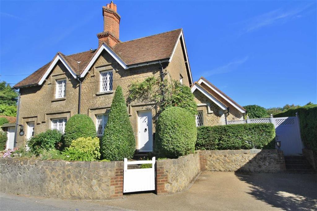 2 Bedrooms Semi Detached House for sale in Trottiscliffe, Kent