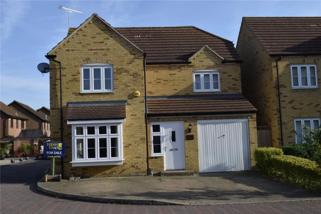 3 Bedrooms Detached House for sale in Elms Close, Hornchurch, RM11