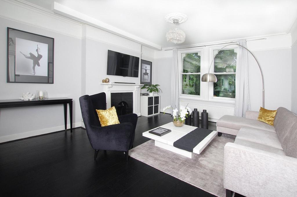 4 Bedrooms Flat for sale in Summerhill Villas, Susan Wood, Chislehurst, Kent, BR7