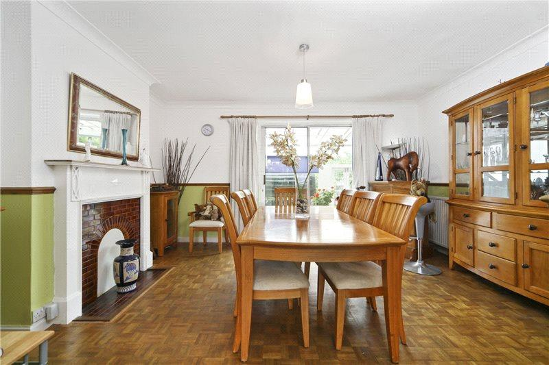 5 Bedrooms Semi Detached House for sale in Steventon Road, London, W12