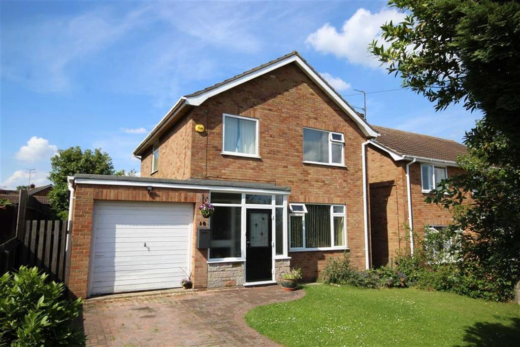 3 Bedrooms Detached House for sale in Orchard Drive, Twyning, Tewkesbury, Gloucestershire