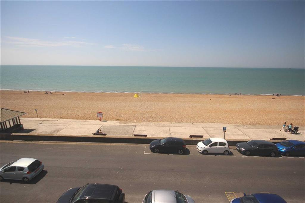 2 Bedrooms Flat for sale in Esplanade, Seaford