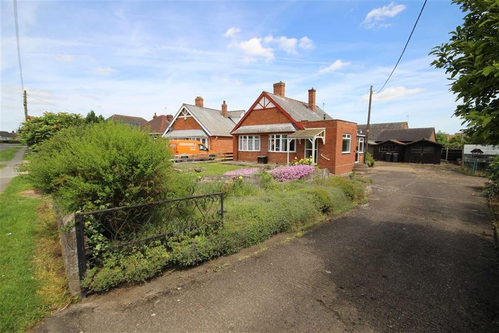 3 Bedrooms Detached Bungalow for sale in Dunston Road, Metheringham, Lincoln, Lincolnshire