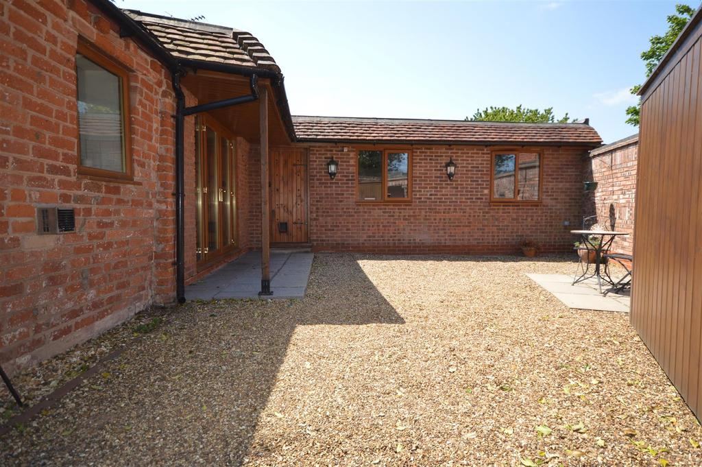 2 Bedrooms Detached House for sale in Kenilworth Road, Solihull