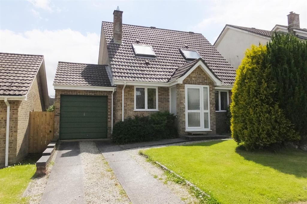3 Bedrooms Link Detached House for sale in Carne View Road, Probus