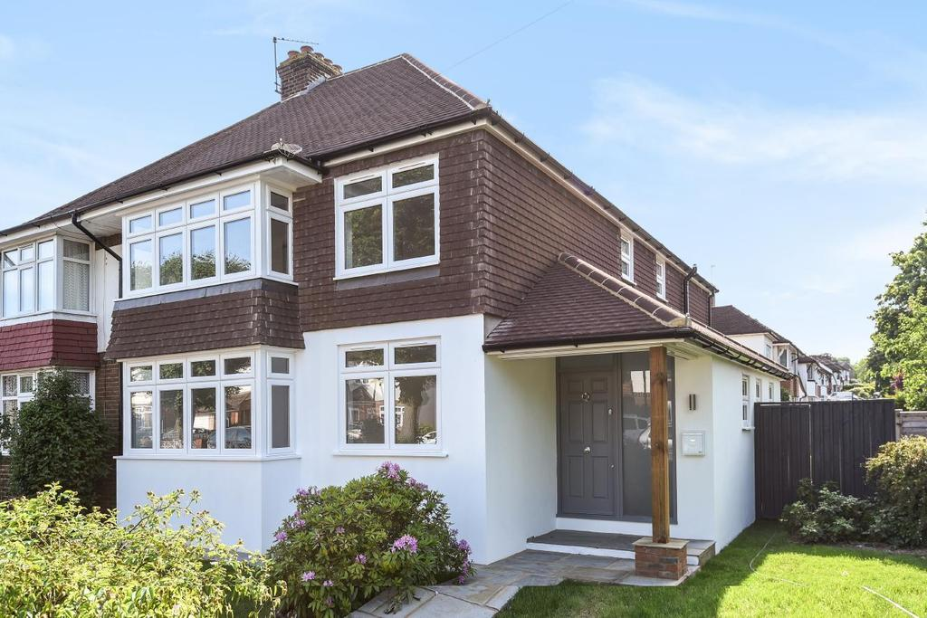 4 Bedrooms Semi Detached House for sale in Bourne Vale, Hayes, BR2
