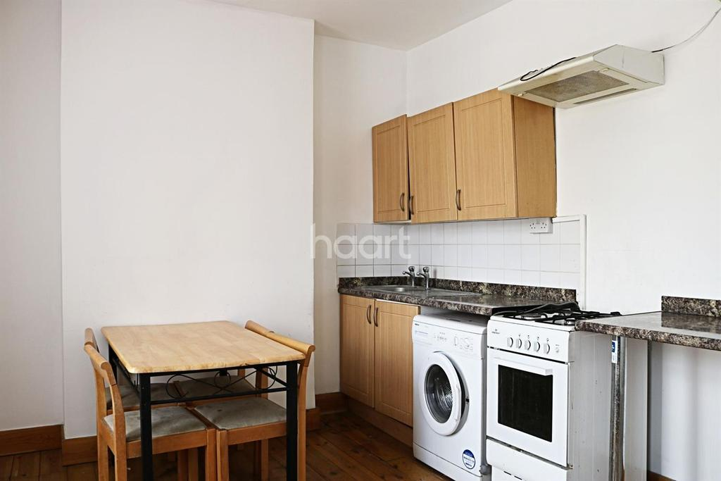 2 Bedrooms Flat for sale in Green Street, Upton Park