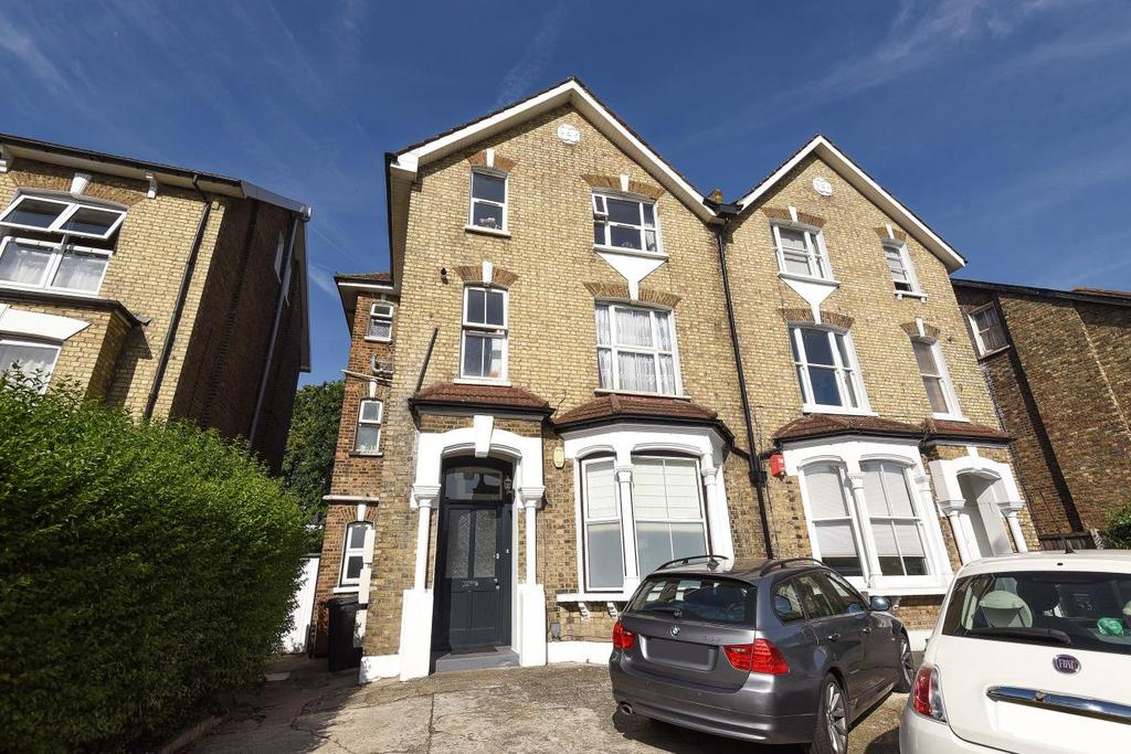 2 Bedrooms Flat for sale in Baring Road, Lee, SE12