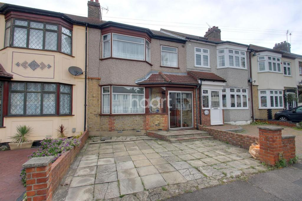 4 Bedrooms Terraced House for sale in Bush Elms Road, Hornchurch