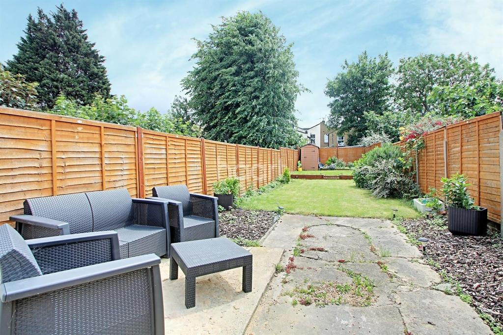 3 Bedrooms Terraced House for sale in Gurney Road, London, E15