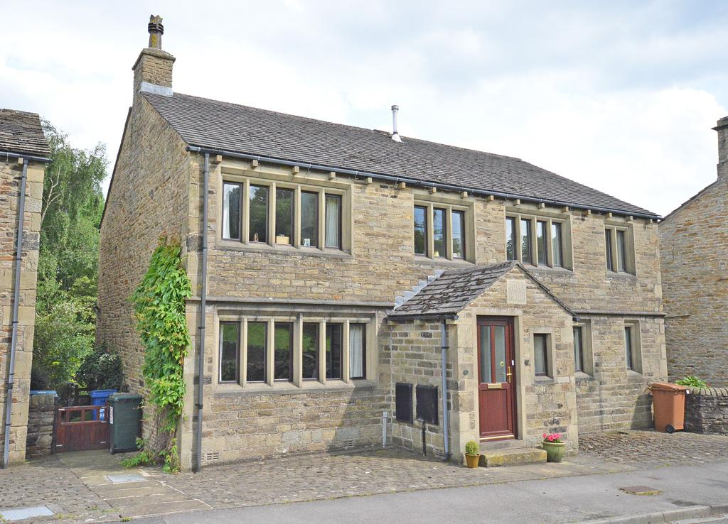 3 Bedrooms Semi Detached House for sale in 24 Skipton Road, Cononley,