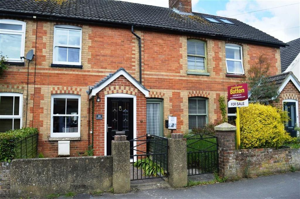 2 Bedrooms Terraced House for sale in Grove Road, Wimborne, Dorset