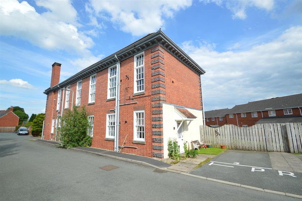 2 Bedrooms Apartment Flat for sale in Flat 3, Oswalds Court, Jemmett Close, Oswestry, SY11 2TR