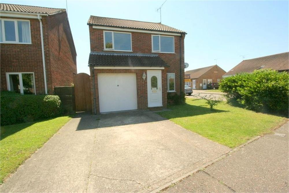3 Bedrooms Detached House for sale in Chelmer Close, Kirby Cross, FRINTON-ON-SEA, Essex