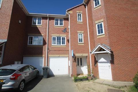 4 bedroom townhouse to rent - KENSINGTON WAY, MIDDLETON, LEEDS, LS10 4UP