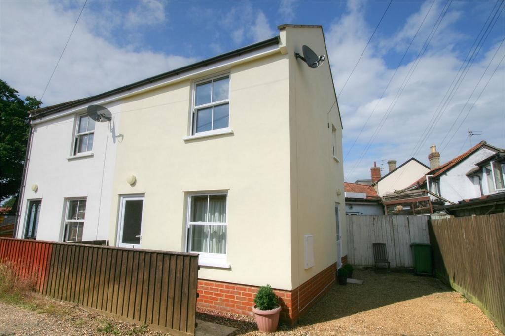 2 Bedrooms Semi Detached House for sale in The Drift, NR17 2FB, Attleborough, Norfolk