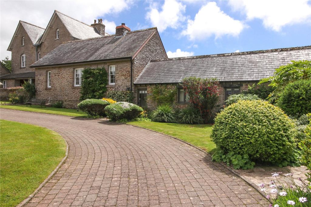 2 Bedrooms Barn Conversion Character Property for sale in Buckland Court, Goveton, Kingsbridge, Devon, TQ7