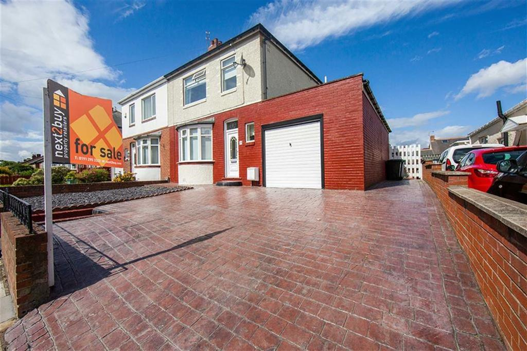 3 Bedrooms Semi Detached House for sale in Whinneyfield Road, Walkergate, Newcastle Upon Tyne, NE6