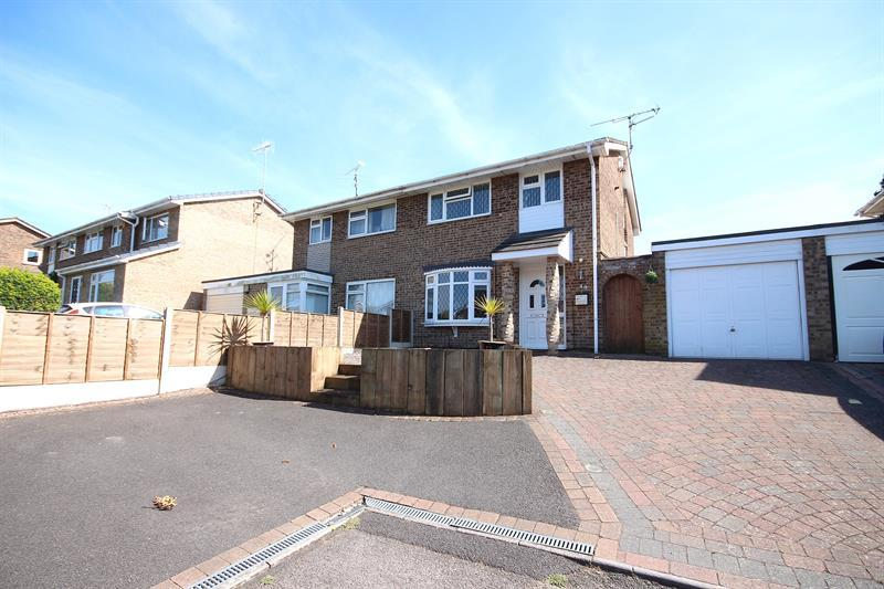 3 Bedrooms Semi Detached House for sale in Calder Road, Canford Heath, Poole