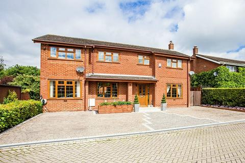 Two Mile Ash Milton Keynes Buckinghamshire 5 Bed Detached House 575000
