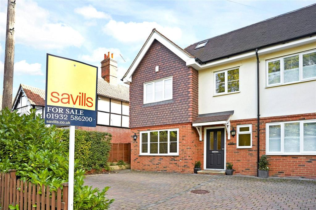 4 Bedrooms Semi Detached House for sale in Leatherhead Road, Oxshott, Leatherhead, Surrey, KT22
