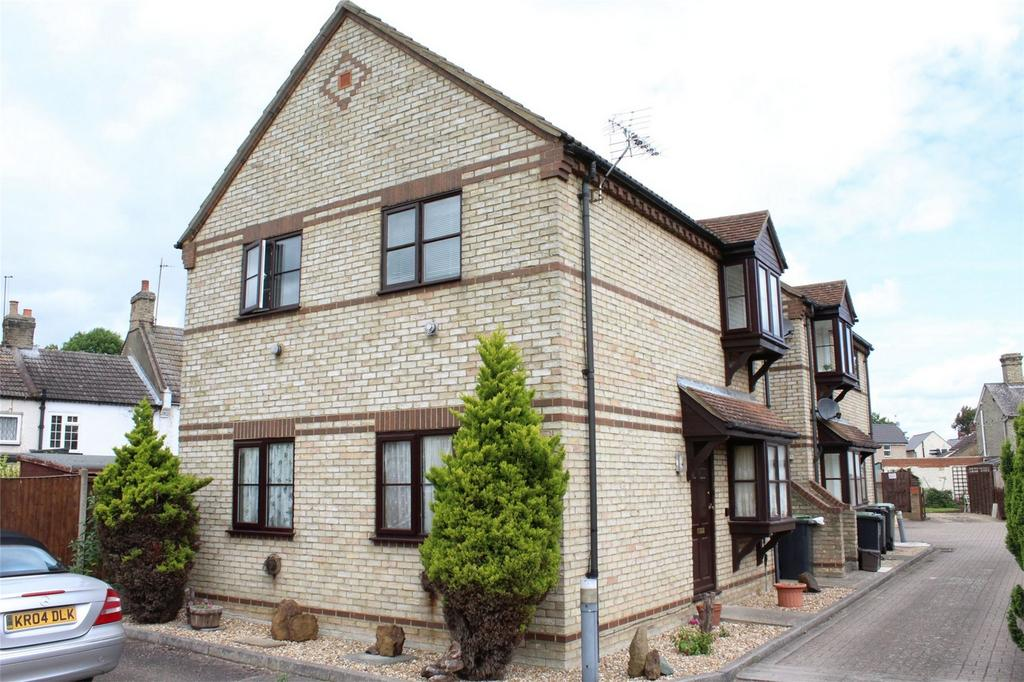 2 Bedrooms Flat for sale in Lanthony Court, Arlesey, Bedfordshire