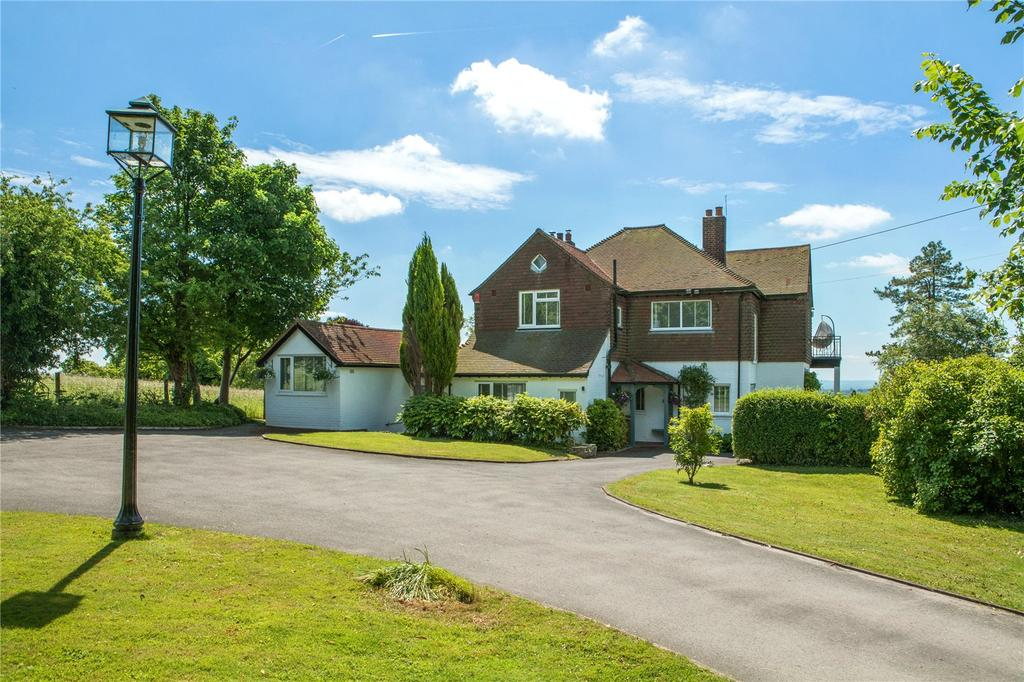 5 Bedrooms Detached House for sale in Pilgrims Lane, Chaldon, Caterham, CR3