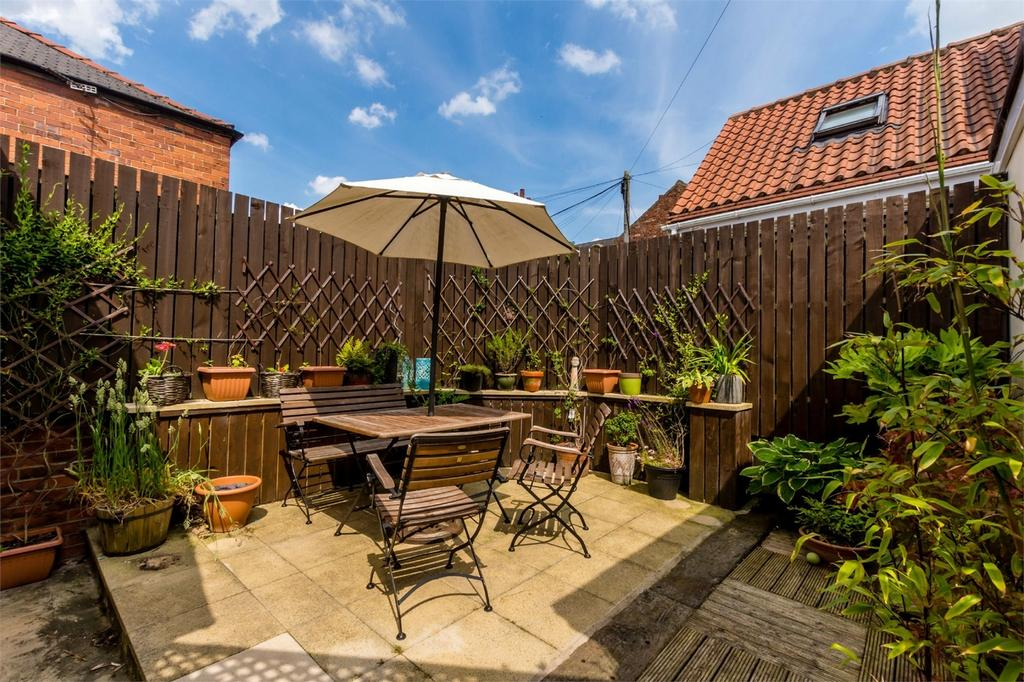 5 Bedrooms Semi Detached House for sale in Campleshon Road, Off Bishopthorpe Road, YORK
