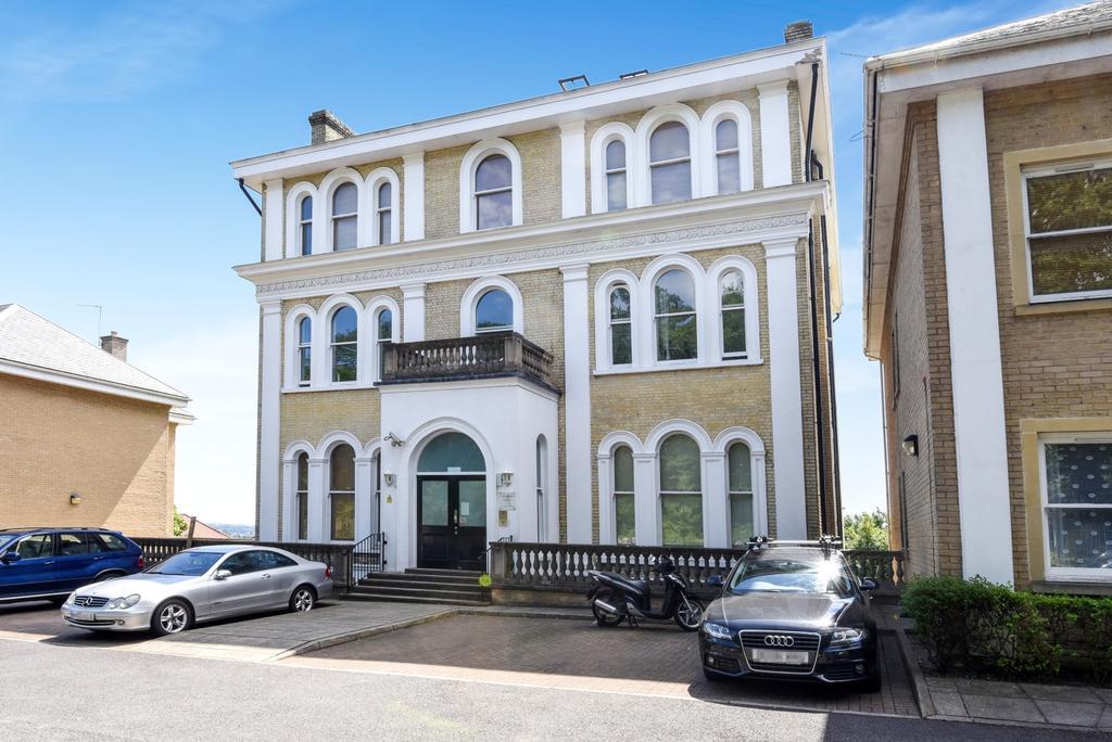 2 Bedrooms Flat for sale in Ross Road London SE25
