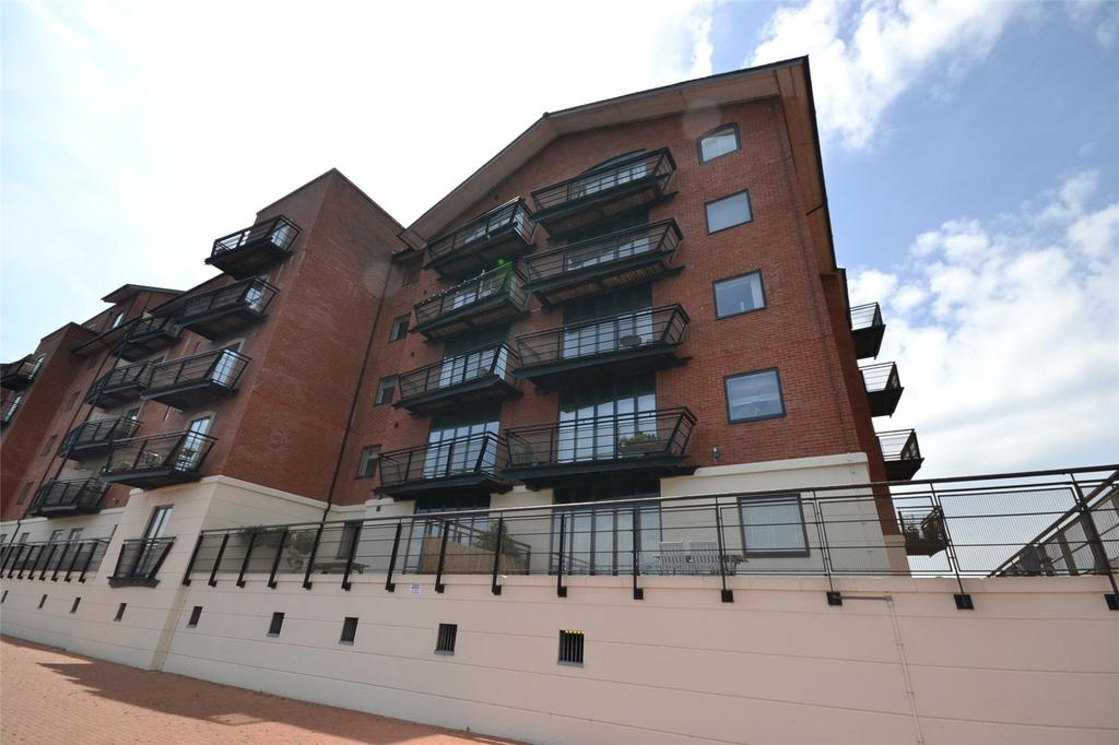 1 Bedroom Apartment Flat for sale in Henke Court, Cardiff Bay, Cardiff, CF10