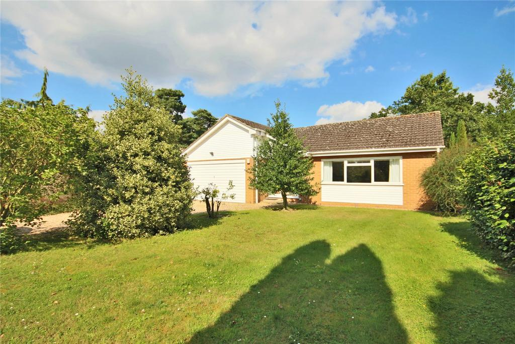 4 Bedrooms Detached Bungalow for sale in Woodland Drive, Woodhall Spa, LN10