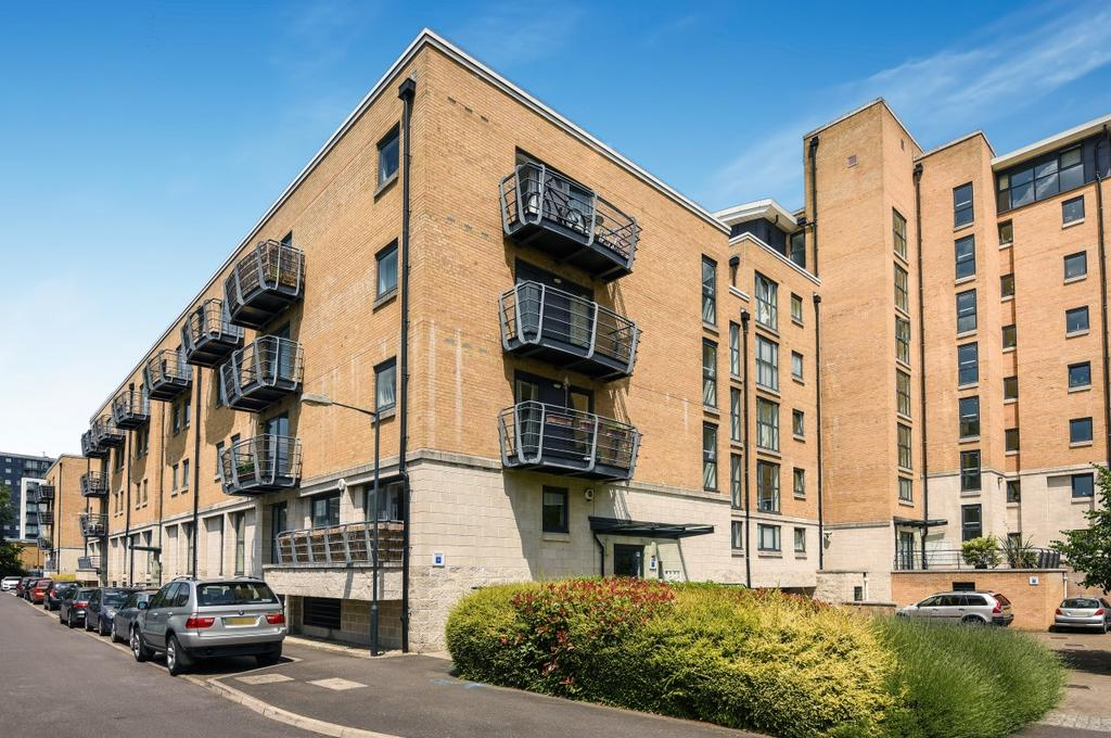 2 Bedrooms Flat for sale in Glaisher Street London SE8