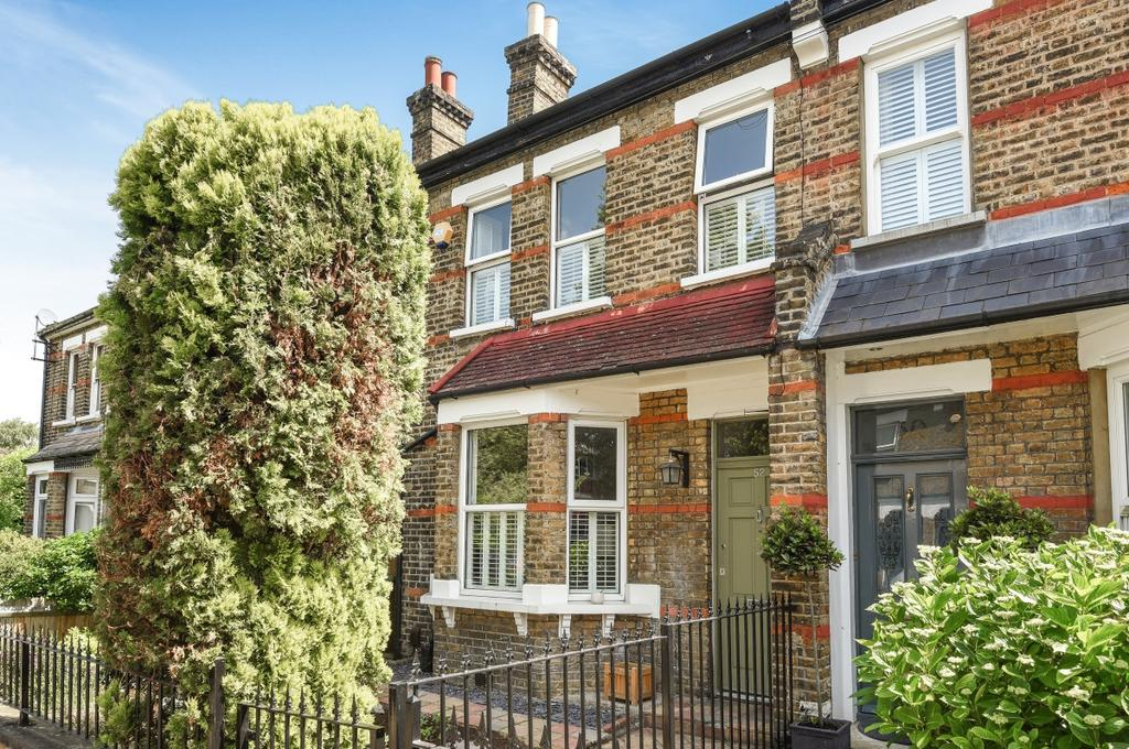 4 Bedrooms Semi Detached House for sale in Meadowcourt Road London SE3